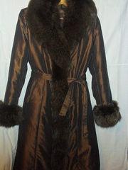 Продаю зимнее пальто в Саратове и Саратовской области.