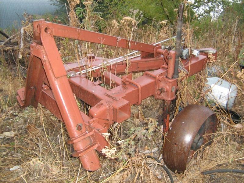 Продам: Продаю трактор Т-16 со сварочным генератором+прицеп+плуг ...